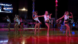 Uus naiste Ladina Fitness grupp